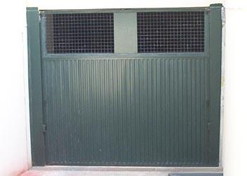 Carpinteria met lica jucar puertas garaje for Puerta garaje metalica